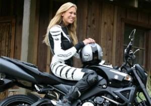 Женские мотошлемы