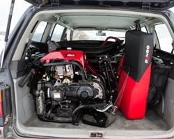 Снегоход Irbis Dingo в разобранном виде в багажнике машины