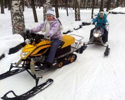 Дети на снегоходах Irbis Dingo