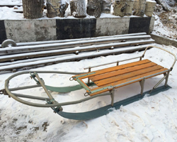 Самодельные сани из лыж и пластиковых труб