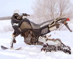 Снегоход из скутера на снегу