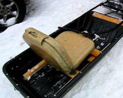 Фабричные волокуши с самодельным сиденьем