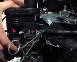процесс ремонта двигателя мотобуксировщика