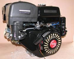 Черный двигатель для снегохода