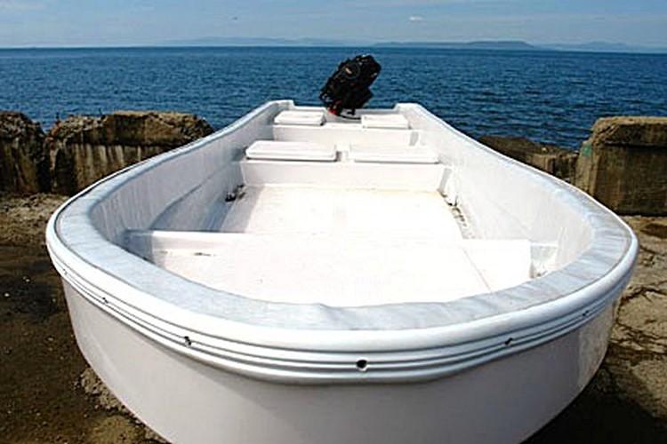 лодка Бриз-18П, кокпит